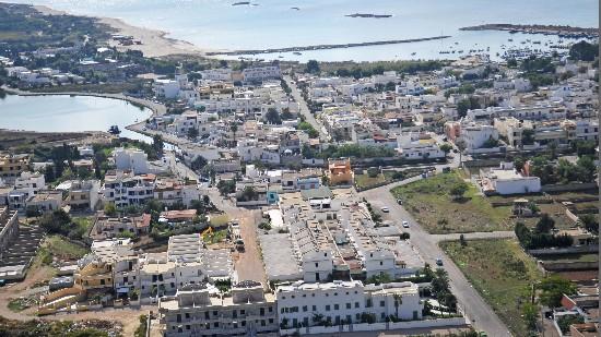 panorama di Torre San Giovanni e distanza dal mare del Residence Ara Inn