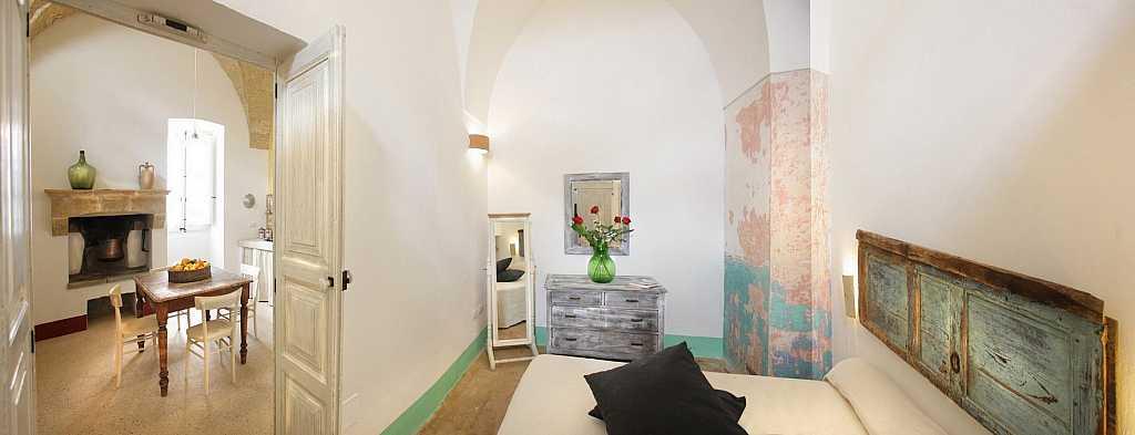 Scorcio di camera e cucina Dimora storica Il campanile Gagliano del Capo