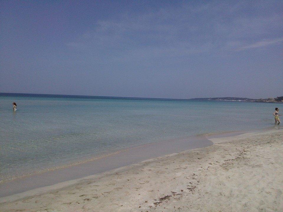 mare e spiaggia della località di Rivabella a Gallipoli nel Salento