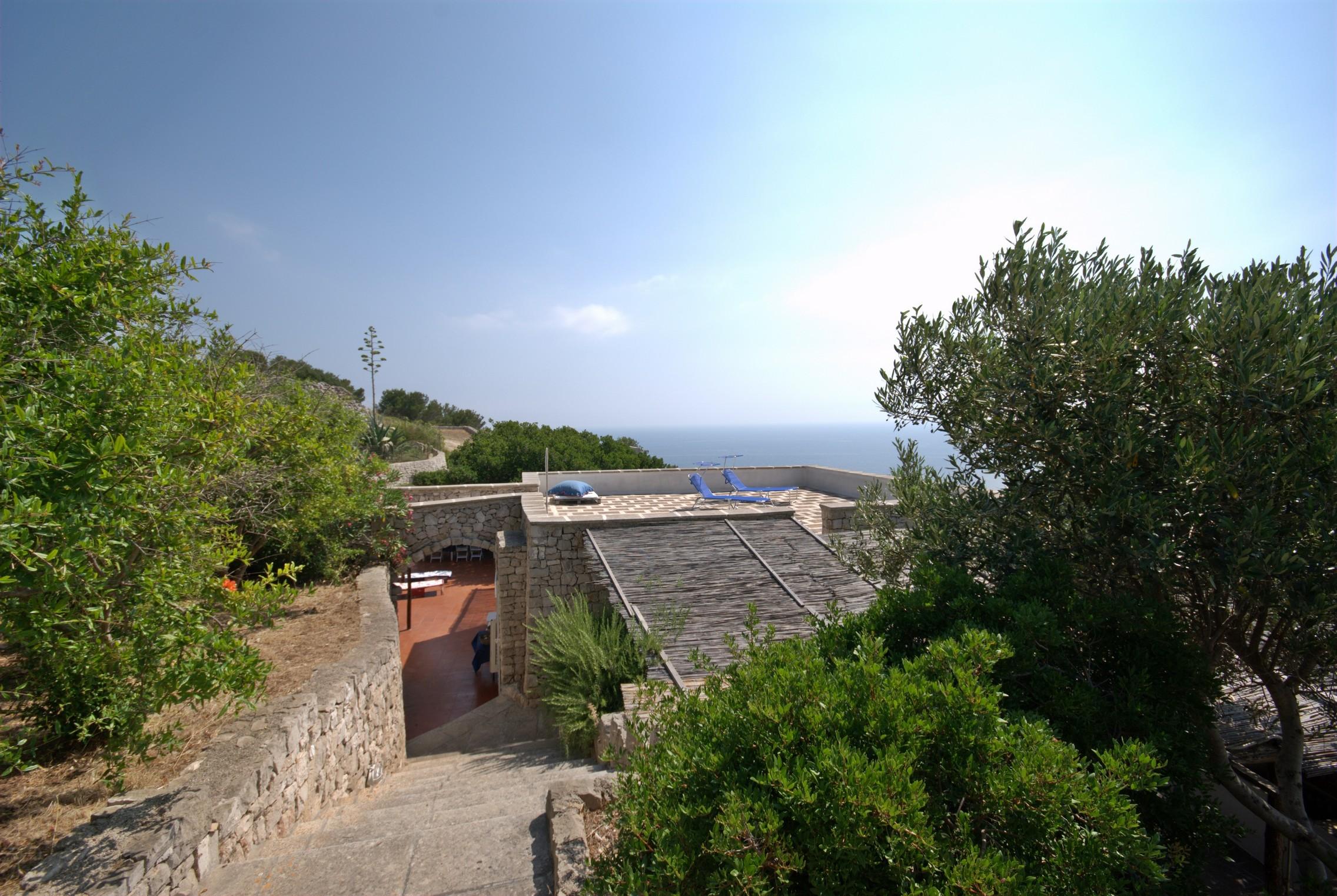 Panoramica esterno Trullo Mediterraneo