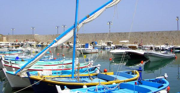 barche nel porticciolo di Tricase Porto