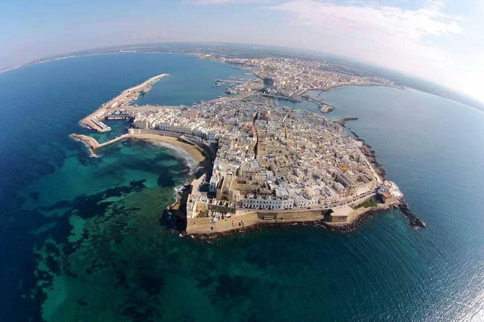 Panorama aereo della città Vecchia di Gallipoli