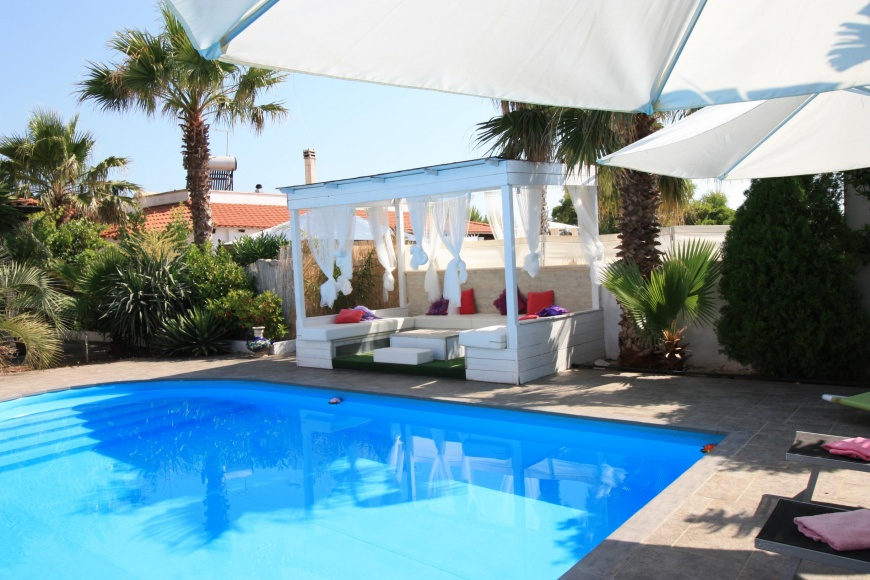 Villa con piscina per 8 posti letto al mare a lido pizzo - Villa con piscina salento ...