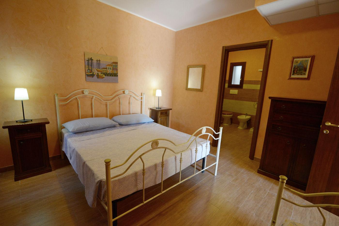 particolari camera matrimoniale Toto residence Torre Lapillo