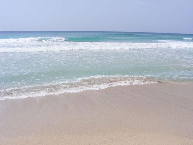 spiaggia e mare cristallini vicino al Toto residence Torre Lapillo