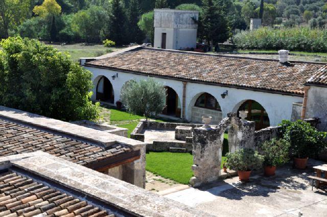 Masseria Santa Lucia Alessano è immersa in 6 ettari di terreno