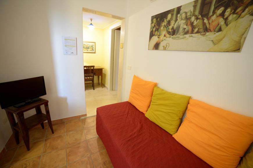 soggiorno bilocale 4 pino residence torrelapillo.it