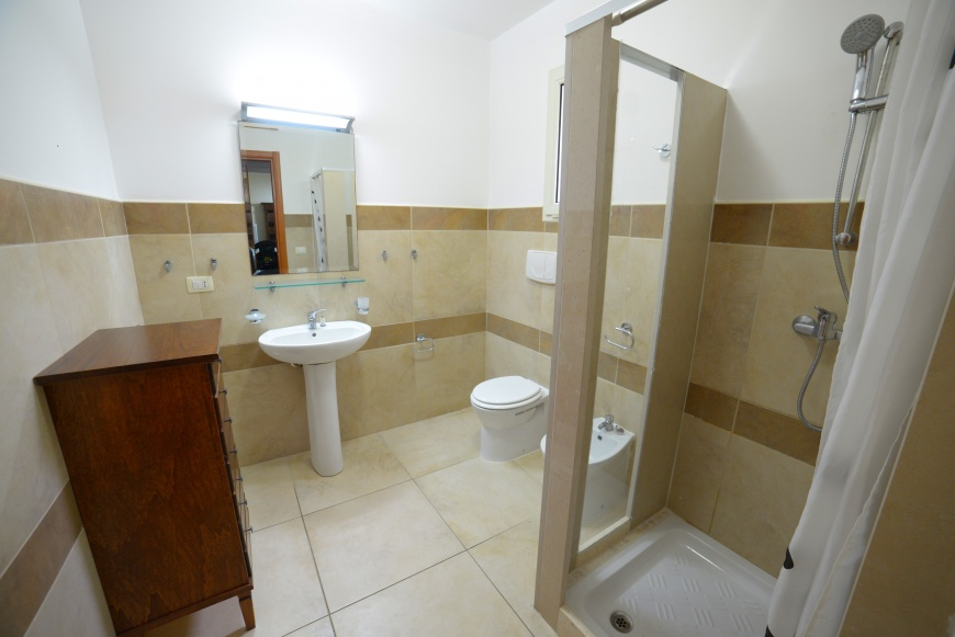 bagno trilocale pino residence torrelapillo.it