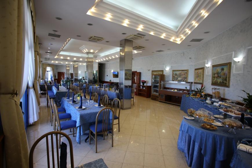 a_grandhotelparadise.jpg