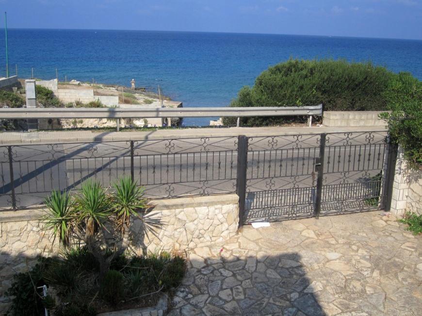 Villa con piscina a 10 metri dal mare a torre suda su - Piscina gonfiabile 2 metri ...