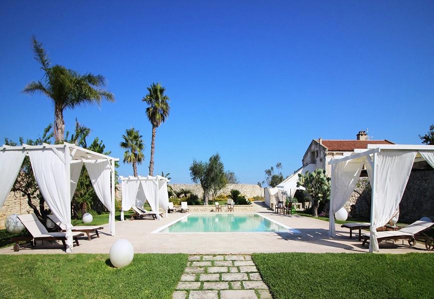 don_agostino_relais_masseria_-_piscina.jpg