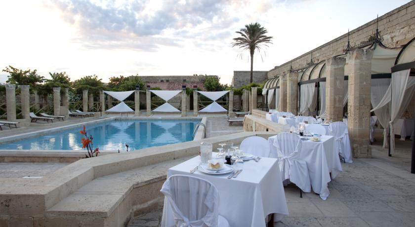 Bordo piscina Le Cale d Otranto Beach Resort, Lecce