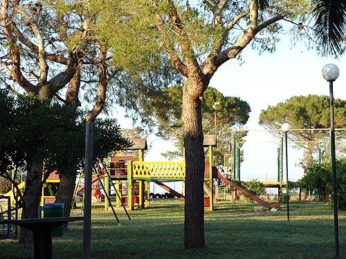 Giardino con parco giochi Villaggio Smile Alimini Otranto, Lecce