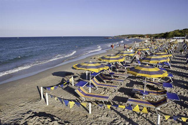 Spiaggia Dolmen Sport Resort Minervino, Lecce