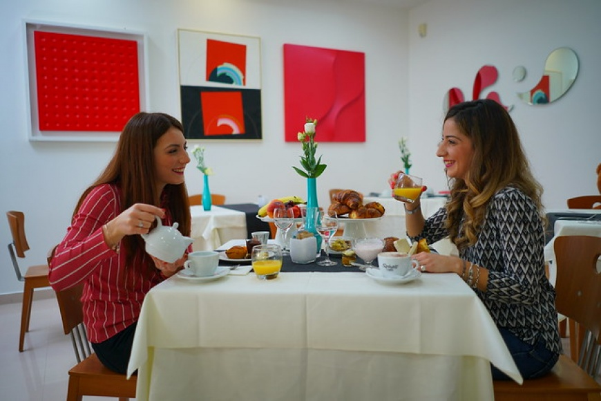 Piccadilly Suites and Rooms - Colazione a buffet sia italiana che continentale