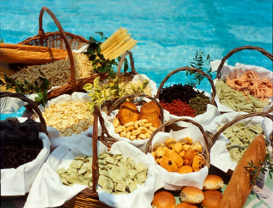 la dispensa dei Caroli Hotels: prodotti tipici salentini