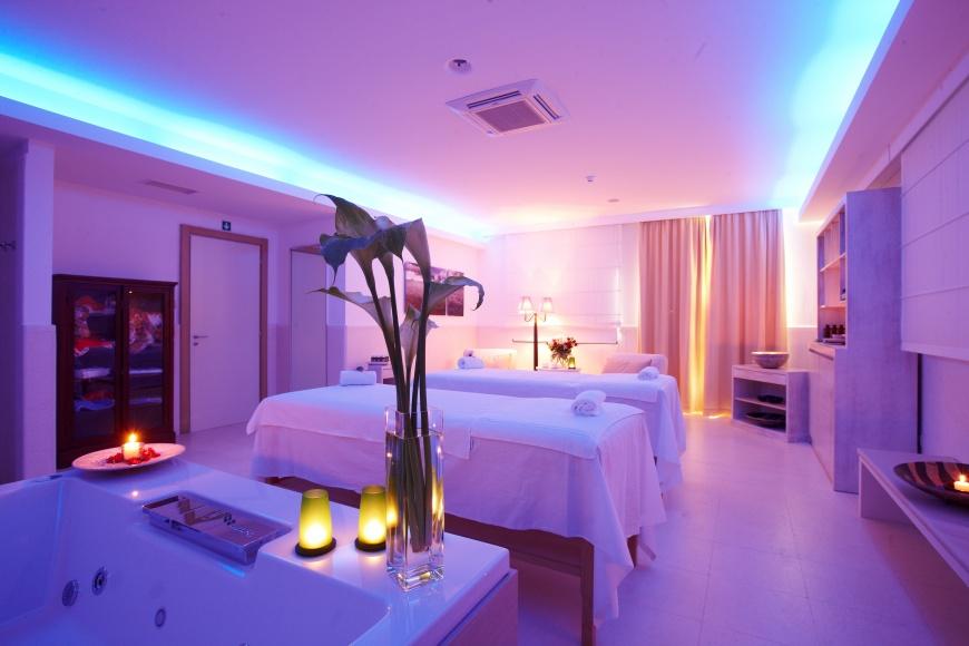 Villaggio vivosa resort torre san giovanni ugento su for Arredamenti interni da sogno