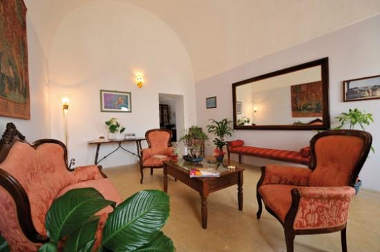 Sala lettura Villa Donna Isabella Gallipoli Lecce