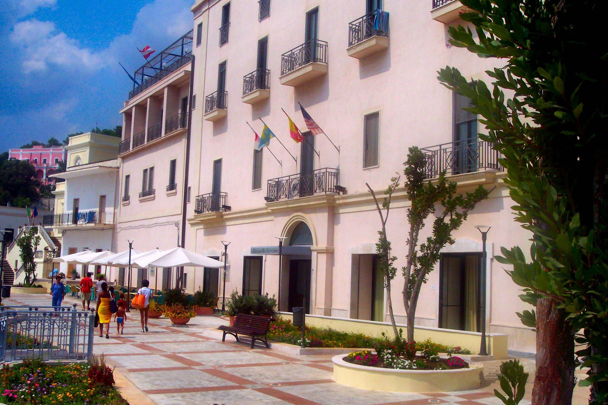 Hotel mediterraneo santa cesarea terme camere con piscina su - Piscina sulfurea santa cesarea terme ...