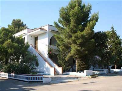 Particolare dell'esterno Villaggio Residence Jonio club Mancaversa, Lecce