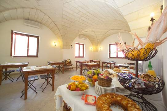 Sala colazione Masseria Limbitello Melendugno, Lecce