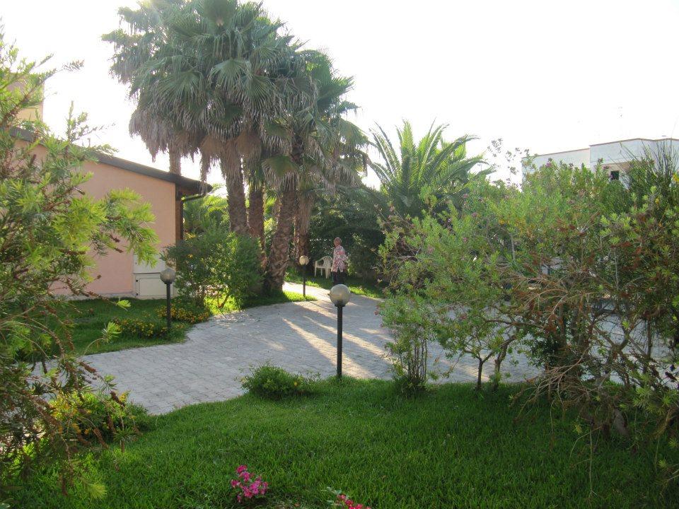 Residence immerso nel verde di Torre dell'Orso (Puglia)