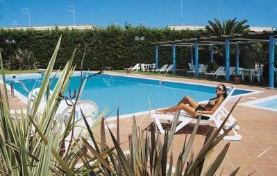 residence con piscina sulla litoranea per Santa Maria di leuca