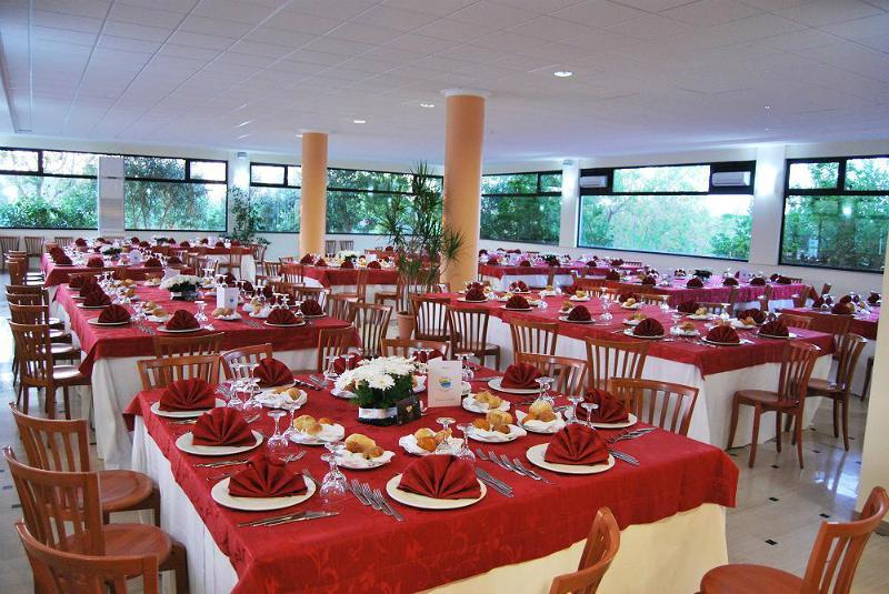 Ristorante sala Villaggio Hotel La Giurlita Torre Mozza, Lecce
