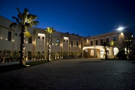 Di sera Clarion Collection Arthotel & Park, Lecce