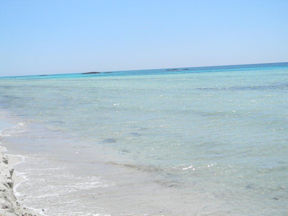 mare azzurro e cristallino a Lido Marini (Puglia)