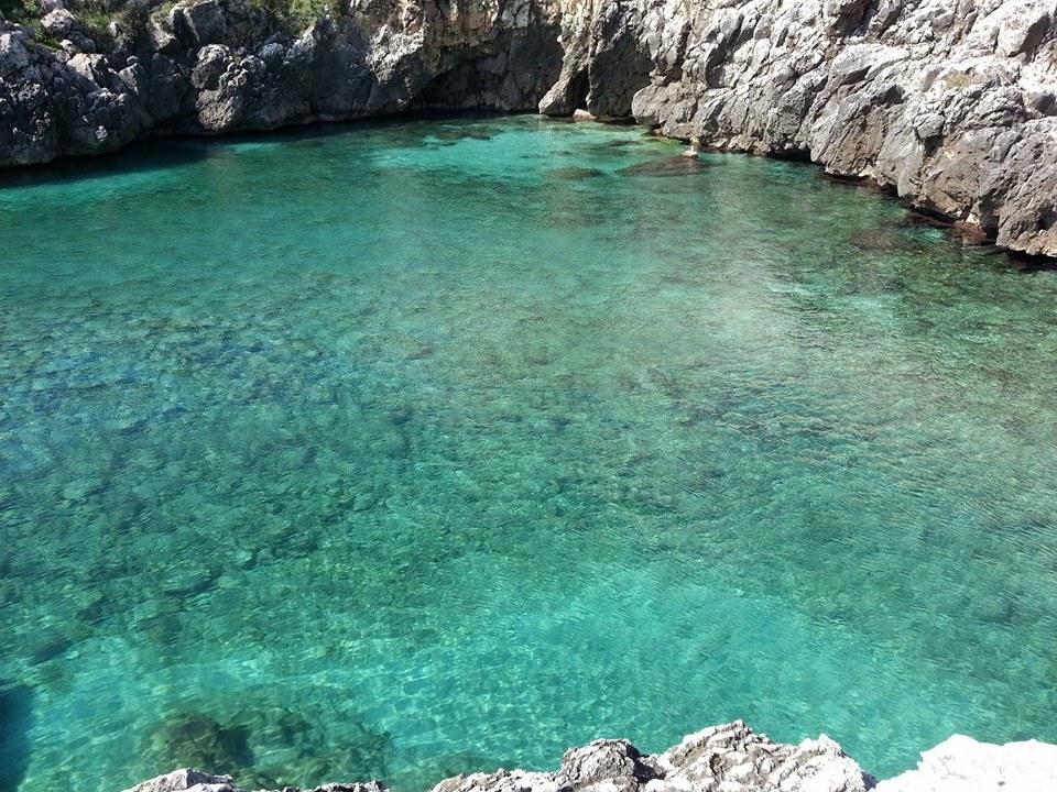 scogliera della costa adriatica fra Castro e Santa Cesarea Terme
