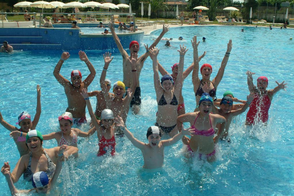 Hotel villaggio riva marina resort carovigno ostuni brindisi su - Bambini in piscina a 3 anni ...