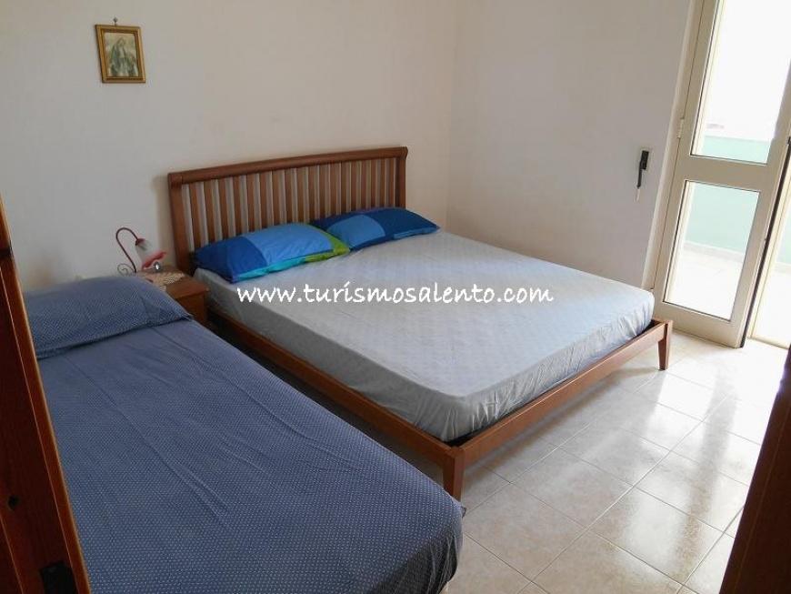 Villetta per 8 posti letto in affitto sul mare a rivabella - Capricorno a letto ...