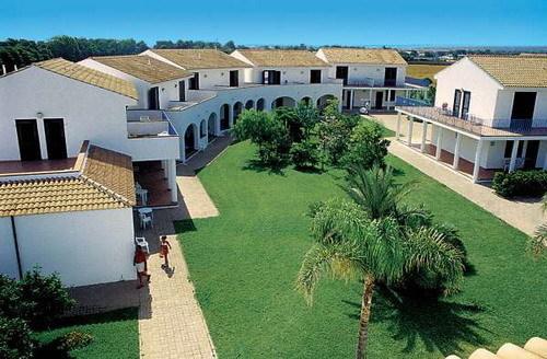 Esterno camere iclub Santa Sabina carovigno, Ostuni, Salento Puglia