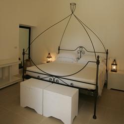 Particolare Camera matrimoniale masseria Montelauro Otranto, Lecce
