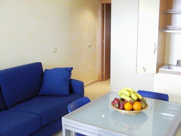 Cucina e soggiorno del Residence Solaris Torre Specchia - San Foca