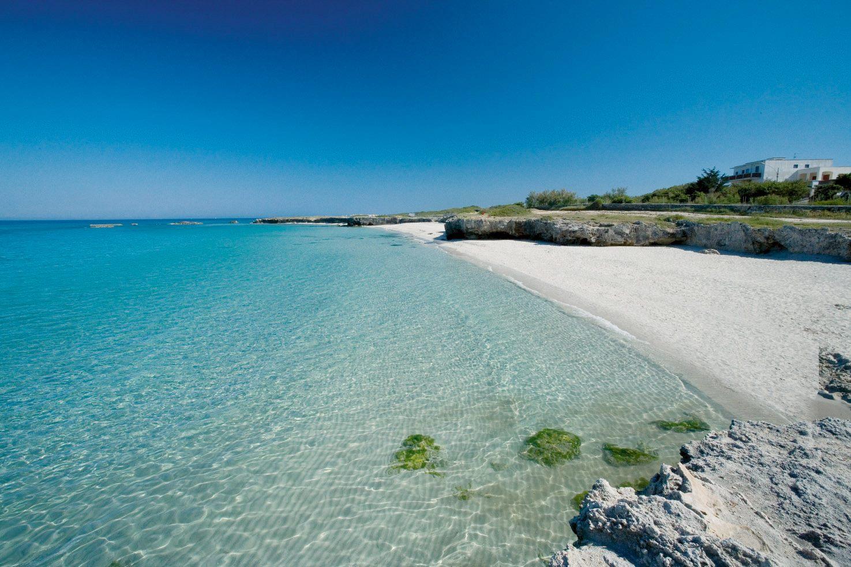 spiaggia della costa adriatica di Torre Specchia (Melendugno)