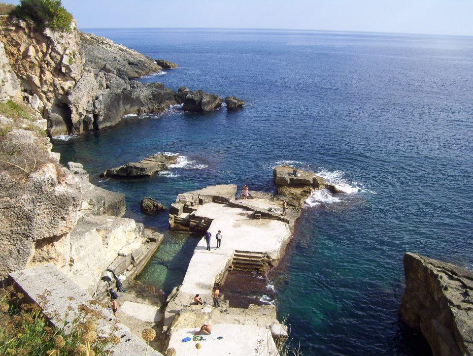 Fare il bagno alle fontanelle di santa cesarea terme su - Bagno marino archi santa cesarea ...
