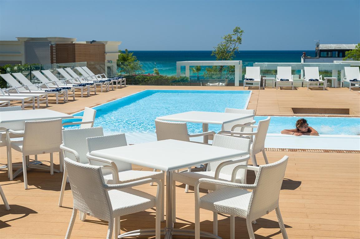 Hotel le dune suite con piscina sul mare a porto cesareo su - Residence puglia mare con piscina ...