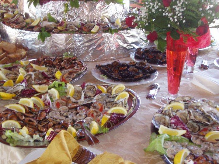 Buffet di gastronomia salentina al ristorante Posidonia a Porto Cesareo (Puglia)