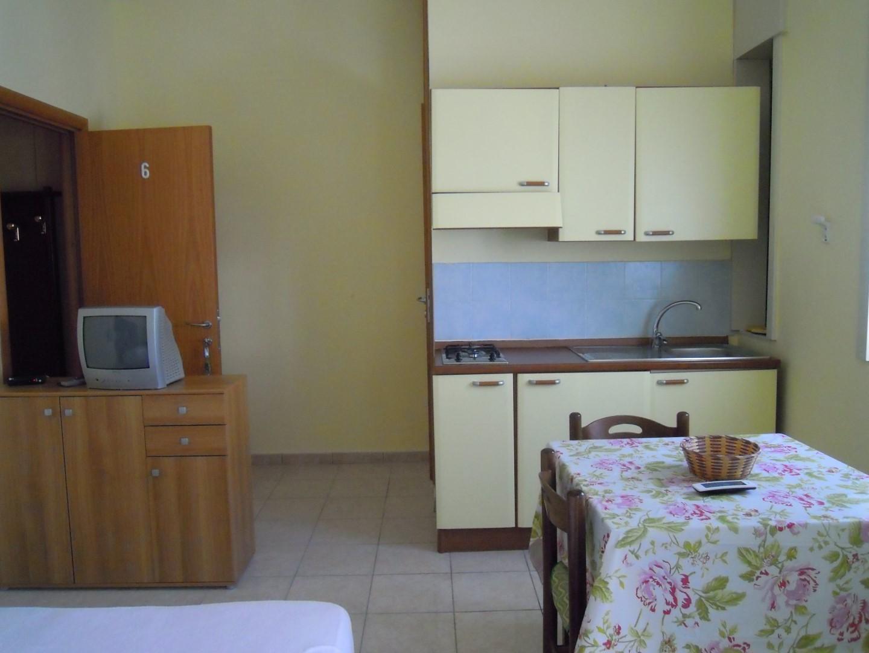 Cucina di uno degli appartamenti di San Foca Centro