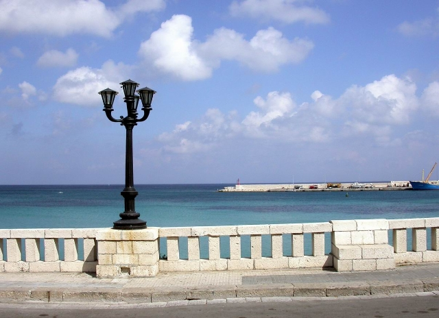 Lungomare di Castro Marina