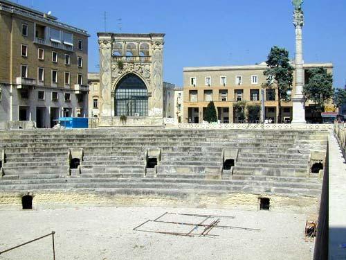 Il Sedile Piazza S. Oronzo Lecce