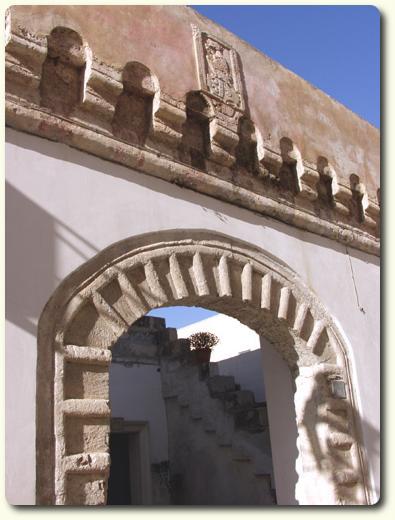 Portale di una casa antica a Racale