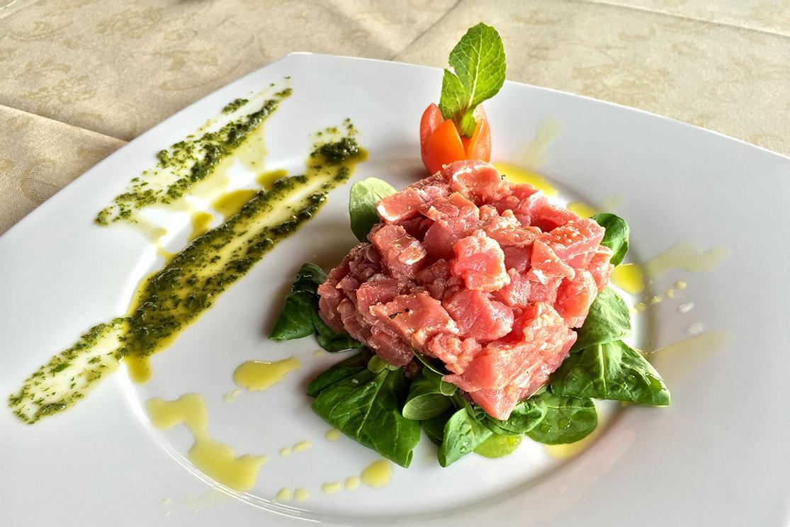 piatti tipici presso hotel ristorante la Collinetta a Torre Vado