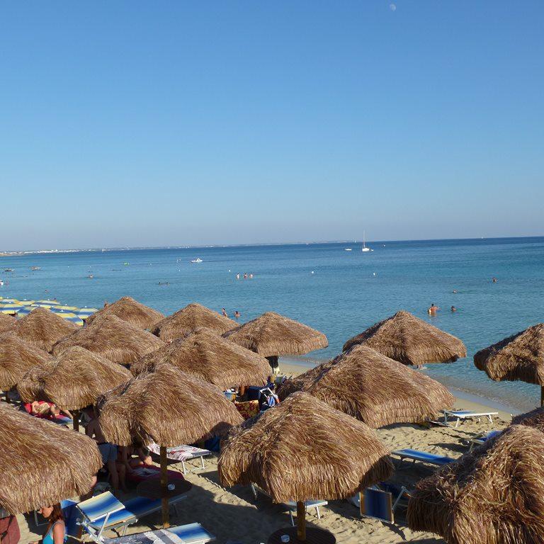 Matrimonio Spiaggia Porto Cesareo : Baron beach torre lapillo porto cesareo lecce su salento