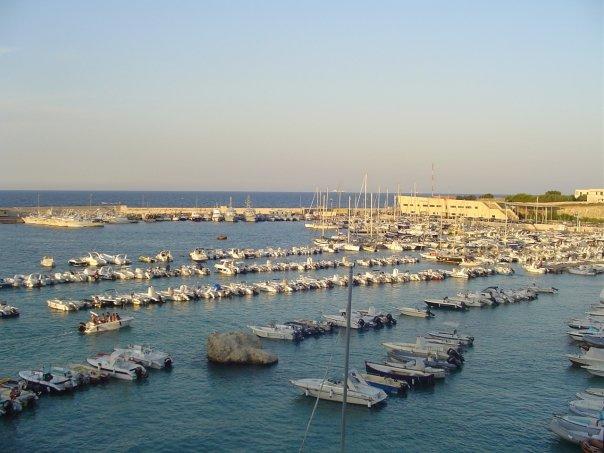 Veduta del Porto di Otranto, dal locale notturno Giro di Boa