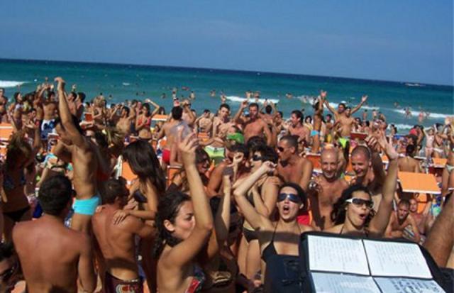divertimento alla discoteca Bahia Alimini Otranto